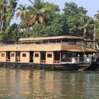 friends cruise nightstay houseboat
