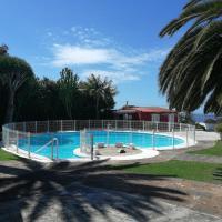 Casa con jardin y piscina