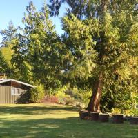 Riverside Ranch with Guest Cabin