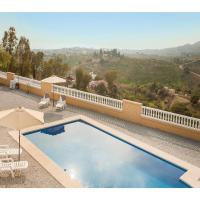 Three-Bedroom Holiday Home in Velez-Malaga