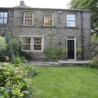 The Gables, Lovely 18th Century Cottage near Holmfirth