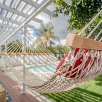 Enchanting Sherman Oaks Home With Pool