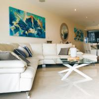Luxurious Apartment Burleigh