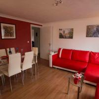 2 bed 2 bath apartment in centre of town next to The Oracle shopping centre
