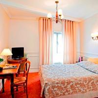 Hotel The Originals Paray-le-Monial Hostellerie des Trois Pigeons (ex Inter-Hotel)