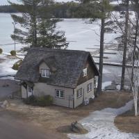 Lakefront Marina Muskoka Cottage