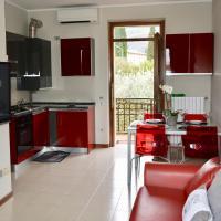 Emaleen's Holiday Apartment near Salò