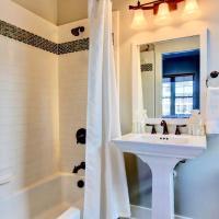 Happy Kat Cottage II-4 Bedroom