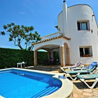 Casa con piscina al lado de la playa. La Barca