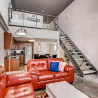 Perfect 1 Br/1Ba in the center of the Gaslamp!