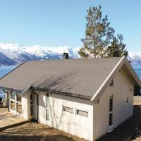 Two-Bedroom Holiday Home in Vangsnes