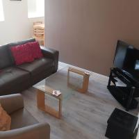 Newly Refurbished Town Centre Apartment