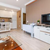 Waterfront / Recently Decorated 1 BDR Apt.