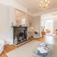 Luxurious Highbury Mansion with Beautiful Garden