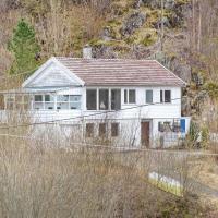 Two-Bedroom Apartment in Hidrasund