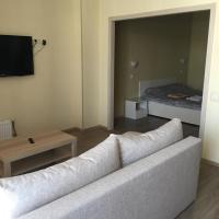 Apartment on Khromova 3