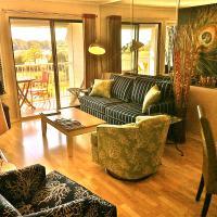 Grand View & Cozy Comfort