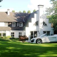 Villa EMG