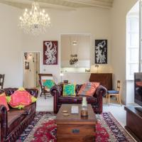 Chic Vintage Apartment with Modern Amenities