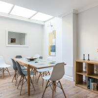 4 Bedroom House in Brighton for up to 9 guests