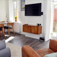 2 Bedroom East London Flat With Garden