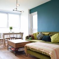 1 Bedroom Queen's Park Flat
