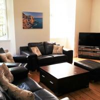 Large 3 Bed West End Apartment HPK