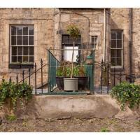 Lovely 3BR Garden Flat for 5 Within City Centre