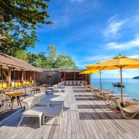 Beach Club by Haadtien