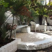 City Central House & Tropical Garden