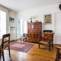 Cool flat for 3 near Buttes-Chaumont