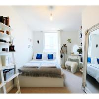 A charming and luxurious 2BR flat on Walthamstow