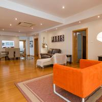 Central High End - 3 Bedroom Apartment - Sleeps 8