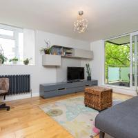 Lovely 1-Bedroom Apartment with Balcony in Putney
