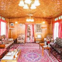 2-BR houseboat on Nigeen Lake, Srinagar, by GuestHouser 15944