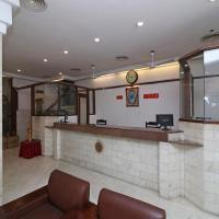 OYO 14837 Hotel Uberoi Anand
