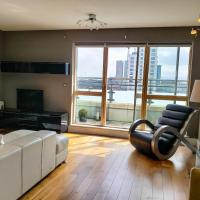 Apartment Overlooking Canal 2 Bedroom