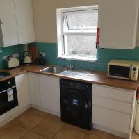 3 Bed, Newly renovated, Cork city- Suits 5 guests
