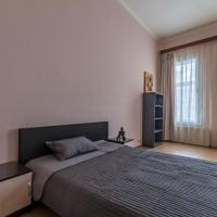 6/4 Apartment on the Nevskii prospect