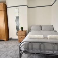 Four Double Bedroom House Close to City Centre (PR)