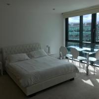 Luxury Three Bedroom Apartment Paddington Station