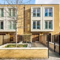 Modern 3 Bed, 2 Bath flat w/Garden in East Acton