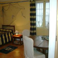 La DRANVILLAISE (chambre avec kitchinette et télévision