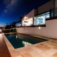 Benowa Modern Waterfront House