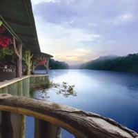 Emarald Resort