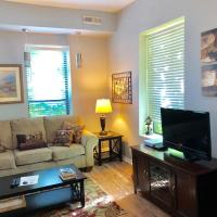 Beautifully furnished studio in Old Town Lincoln Park
