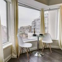 LUX Suite at Yorkville