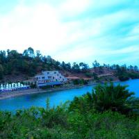 Moriah Hill Resort