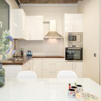 Cozy rooms in a luxury apartment center of Barcelona