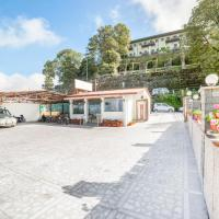 2 BR Boutique stay in Charleville Road, Mussoorie (517E), by GuestHouser